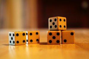 Five_ivory_dice